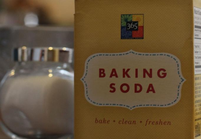 18 Uncommon Uses for Baking Soda