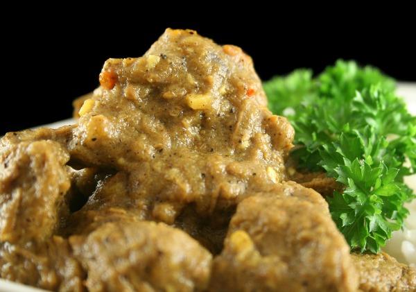 Slow Cooker Pork Vindaloo (or Goat, Beef, Lamb, or Chicken)