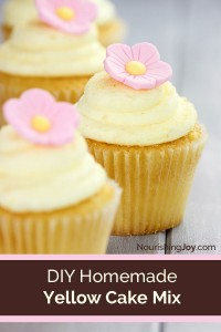 Make your own additive-free homemade cake mix! Whip up cakes and cupcakes in minutes, just like a boxed mix.